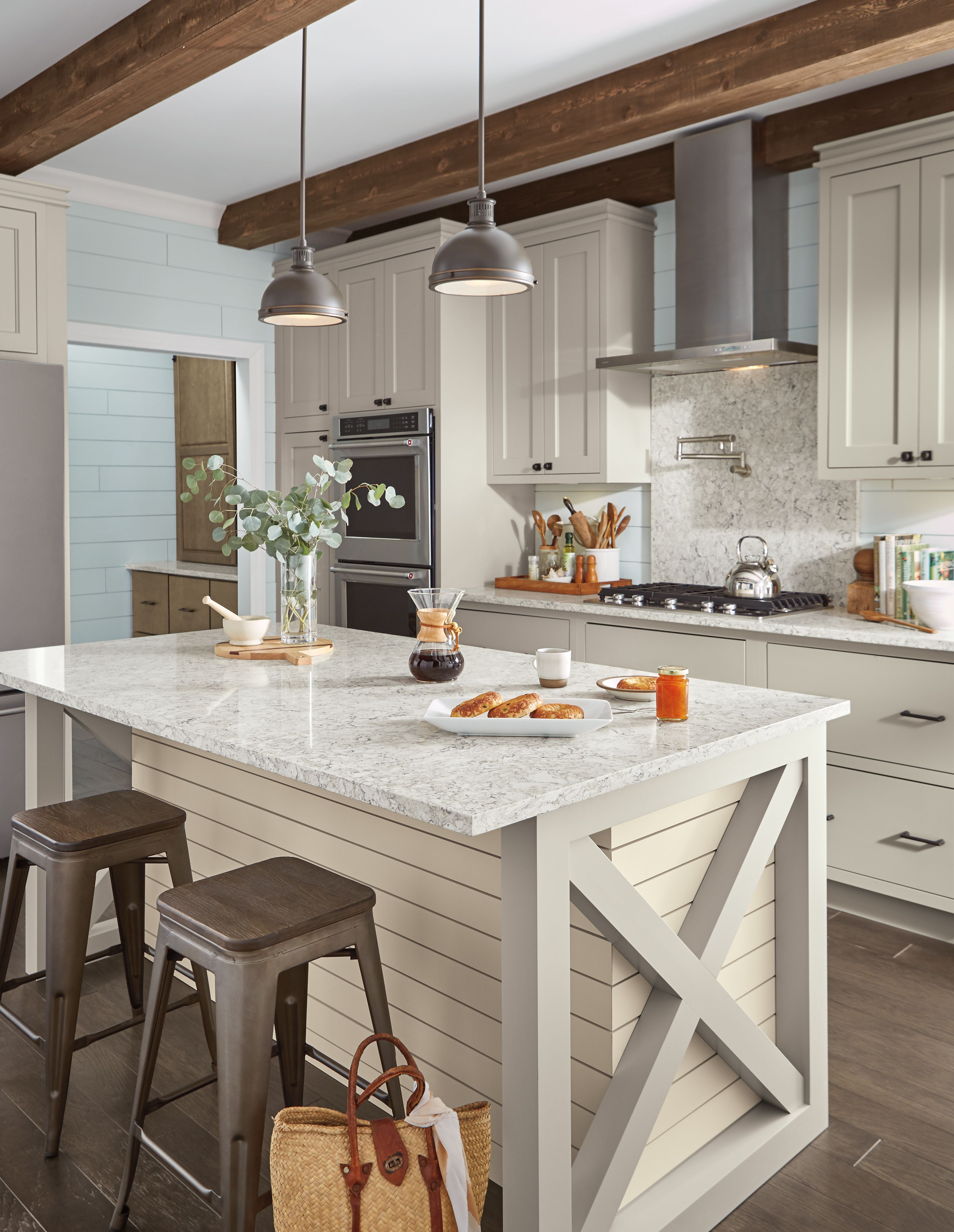 Rustic Meets Refined In This Farmhouse Kitchen Look Kitchengoals Dreamkitchen Farmhousekitchen Country House Interior Rustic House Kitchen Design Decor