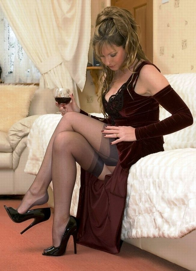 Sexy wives in nylons