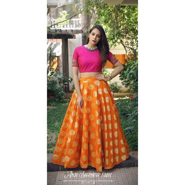 9ac1d0615db645  vinosuruli looking gorgeous in an outfit from the House of Anju Shankar 💛