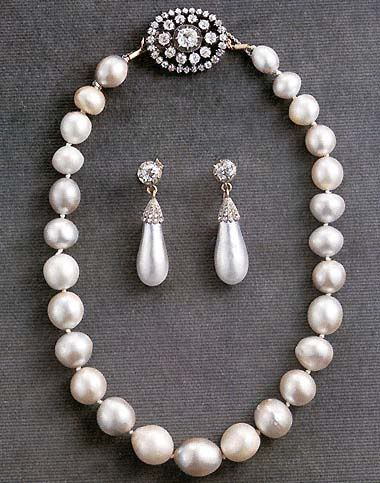 Pearl Necklace And Earrings Of Swedish Royal Family