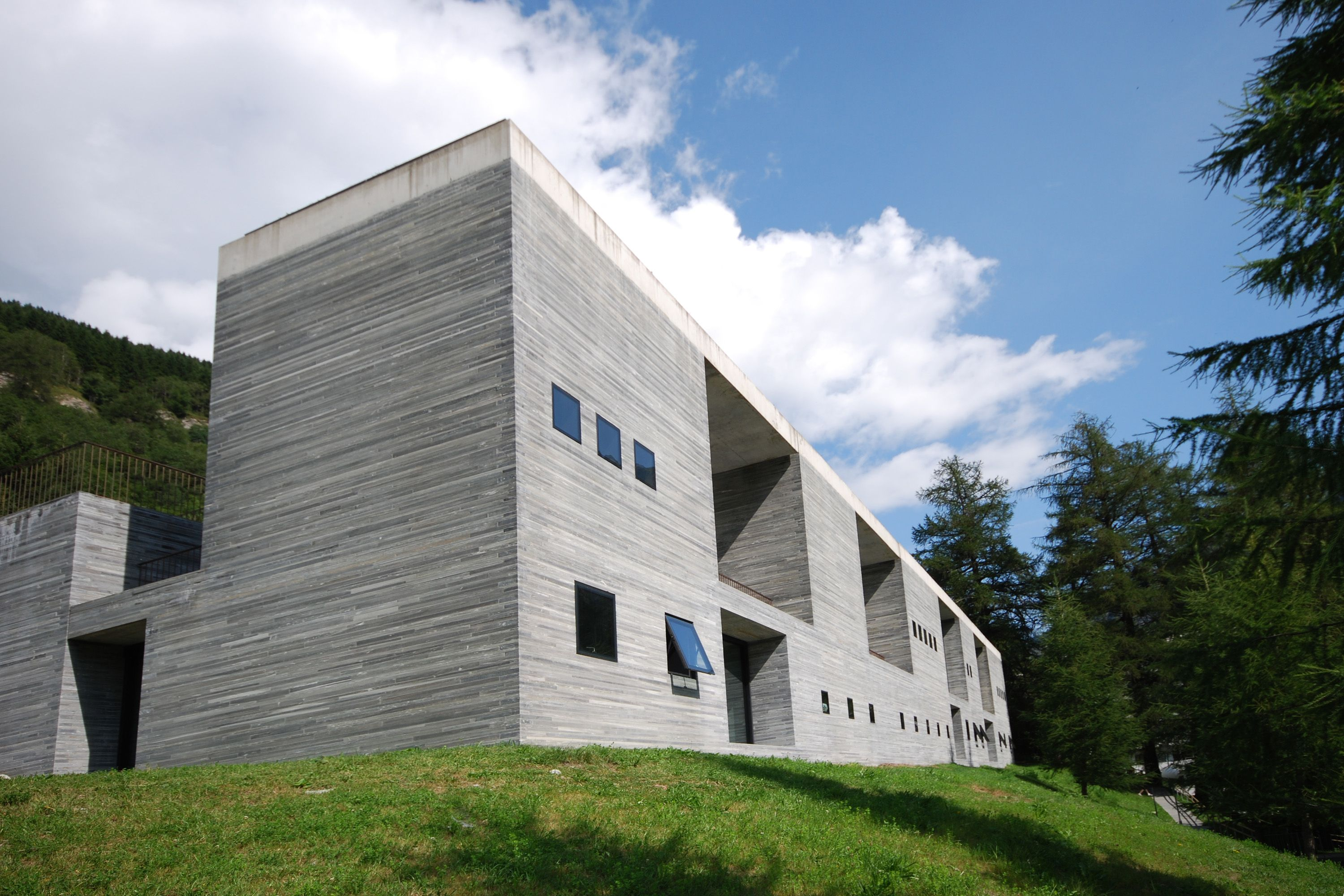 zumthor therme vals Google Search L3/B4 Red Mountain