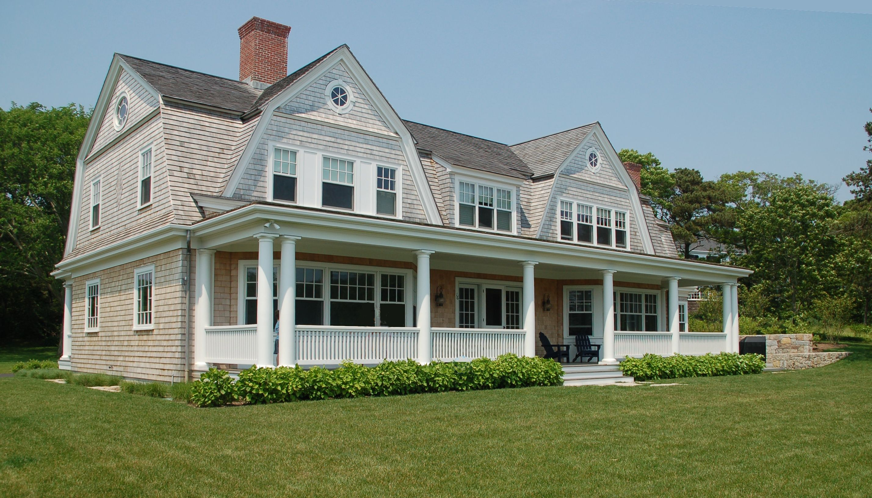 Cape cod home exterior designs front porch ideas for Cape cod house exterior design