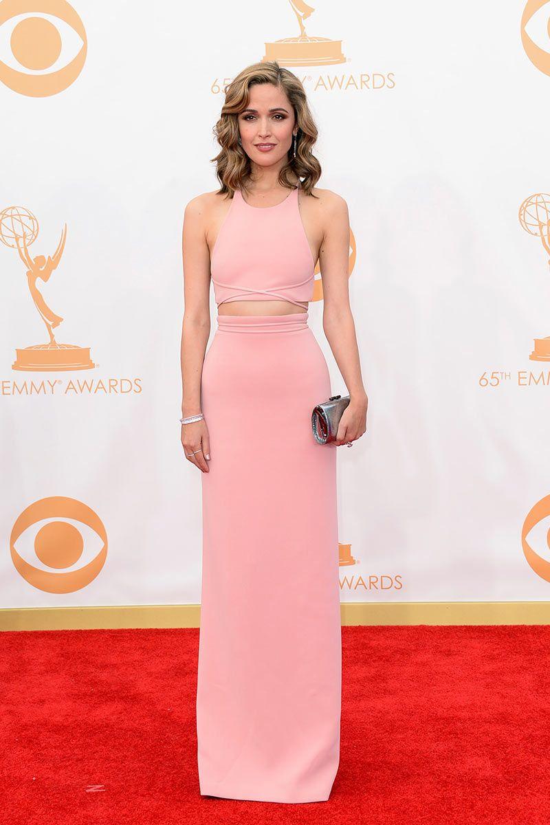 Rose Byrne. Un vestido rosa claro de corte minimal de Calvin Klein ...