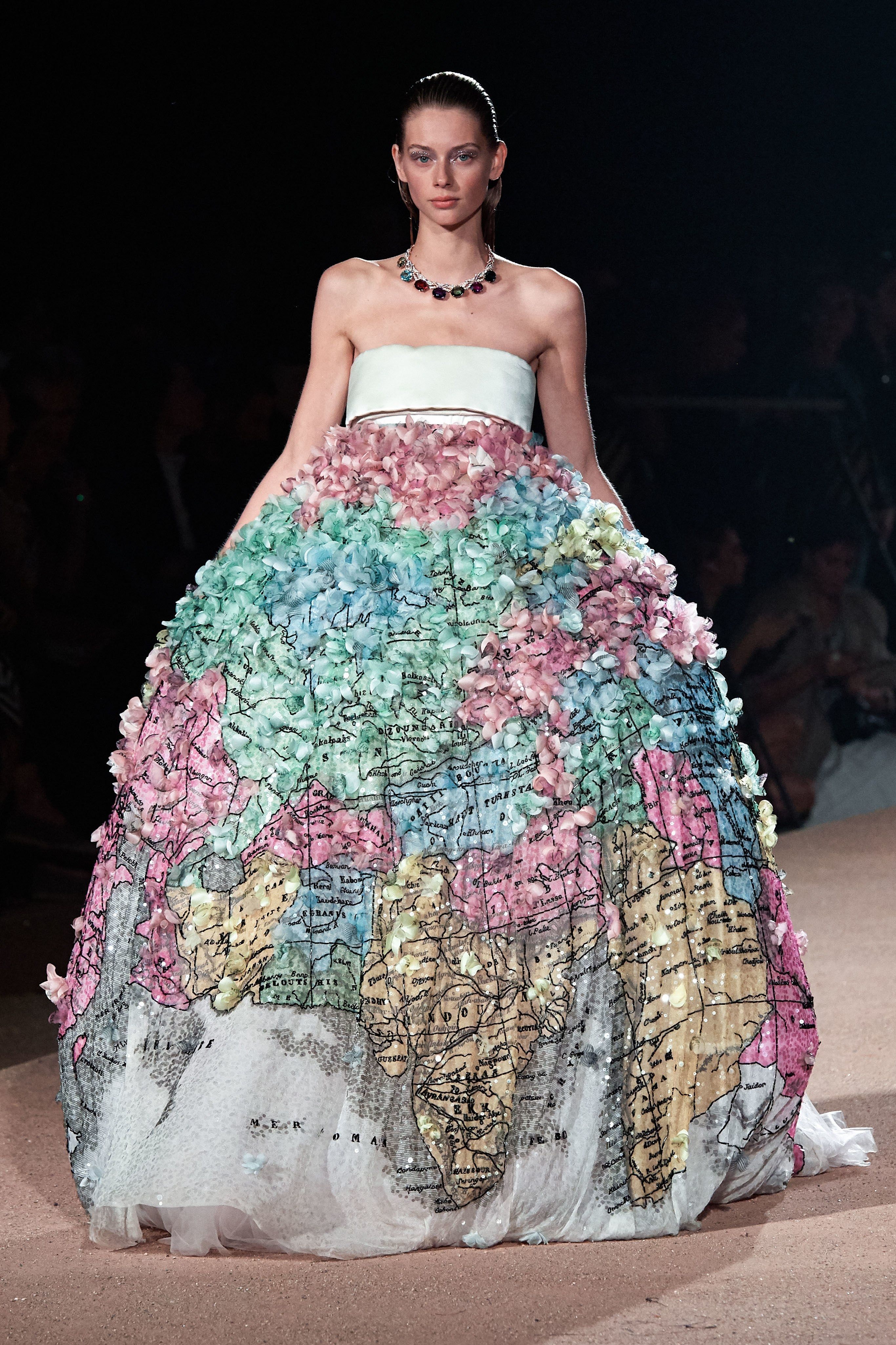 Photo of Mary Katrantzou Spring 2020 Ready-to-Wear Fashion Show
