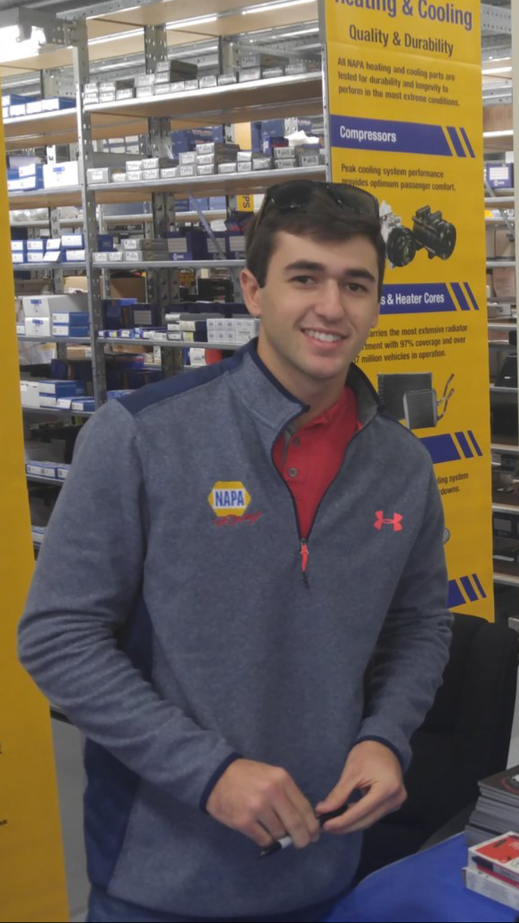 Why Does Chase Elliott Have To Be So Pretty Chase Elliott