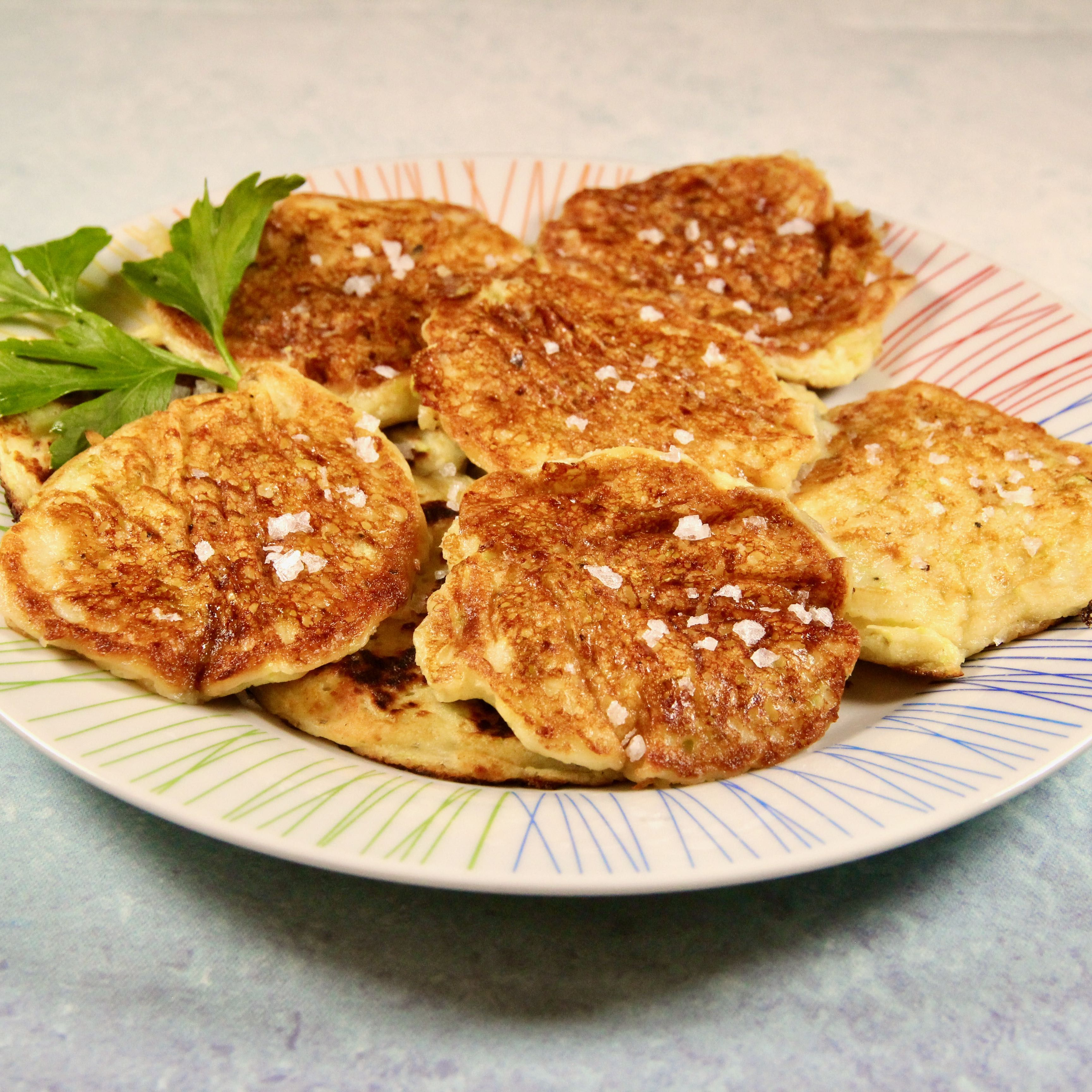 Easy Squash Fritters Recipe in 2020 Squash fritters