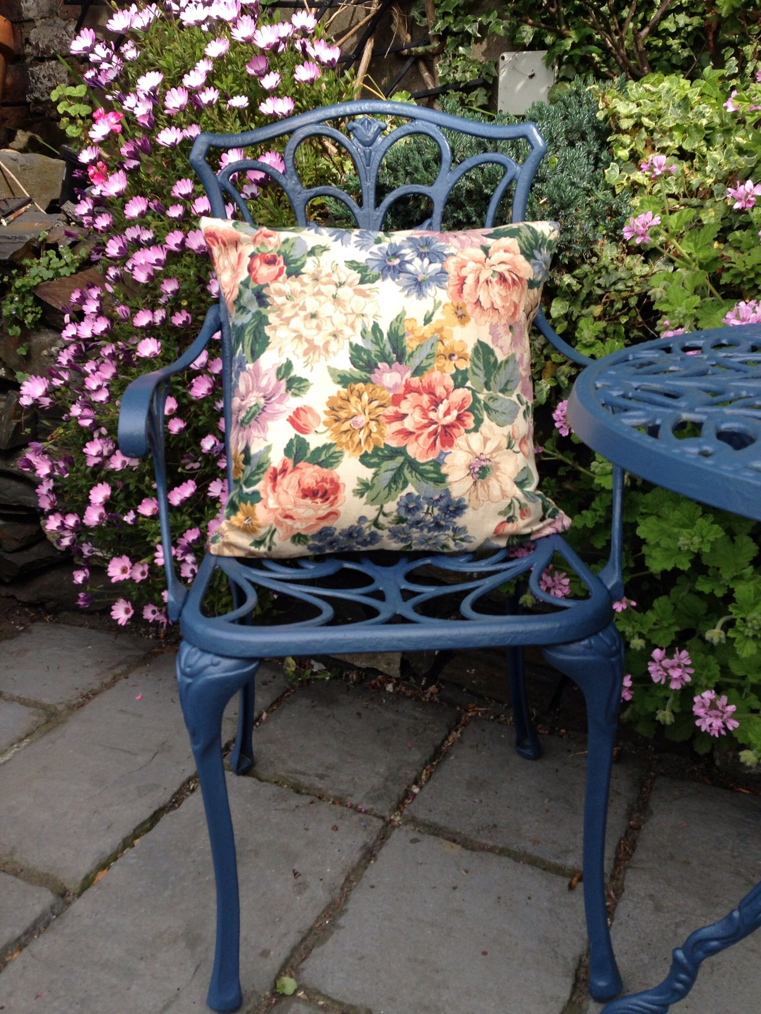 Painted garden furniture in Farrow & Ball Stiffkey Blue