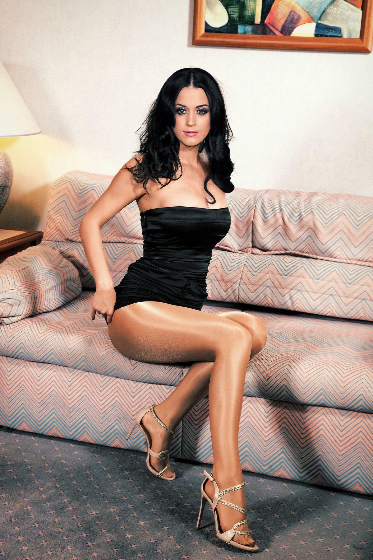 Katy perry naked feet