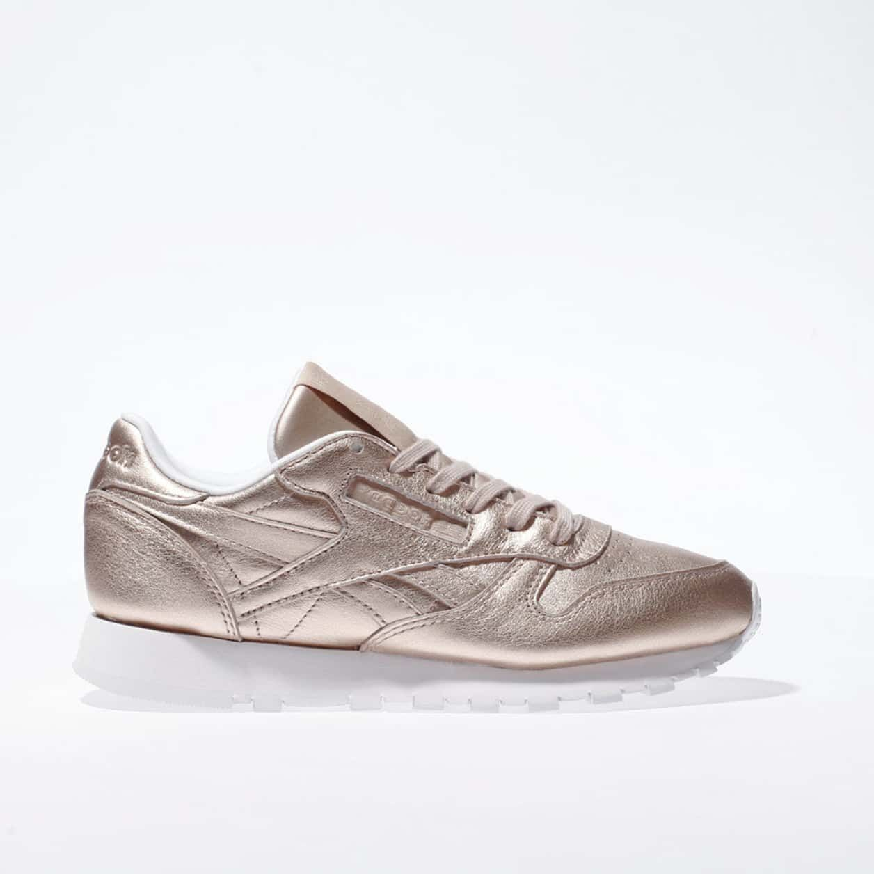 low priced 44dd6 0237d womens rose gold reebok classic leather pearl trainers ...