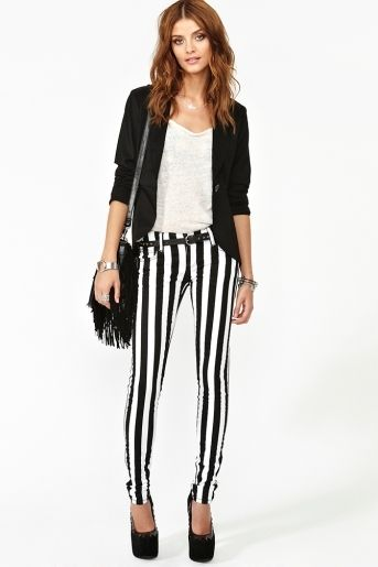 a541b72a0b081 black and white striped pants | Dress Me Up in 2019 | How to wear ...