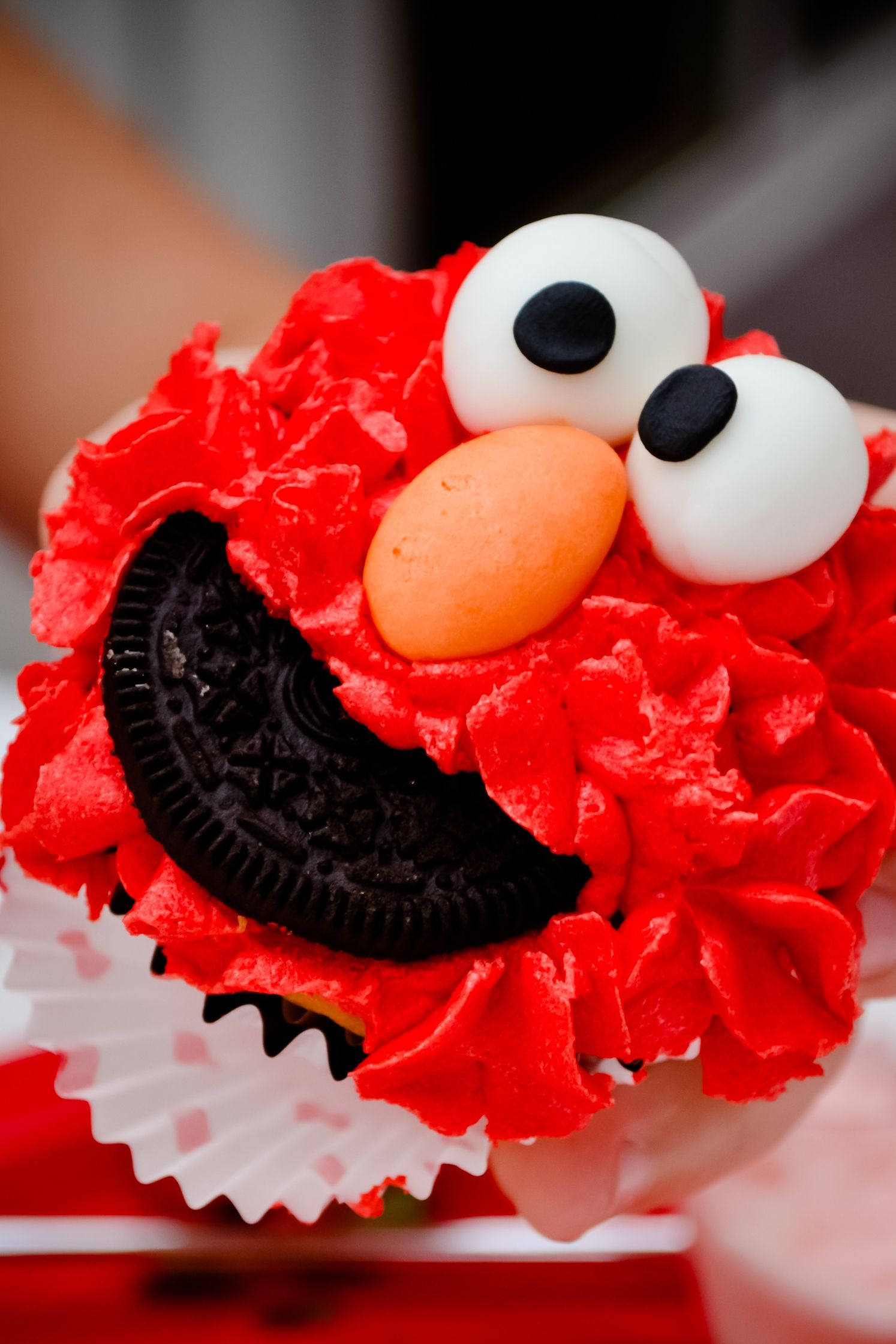 Elmo cup cakes sesame street birthday party sesame