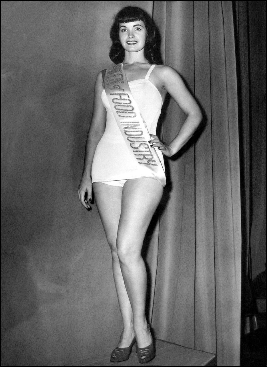 Betty Page Photos: Bettie Page Wins Miss Food Industry C. 1951.. She's Not