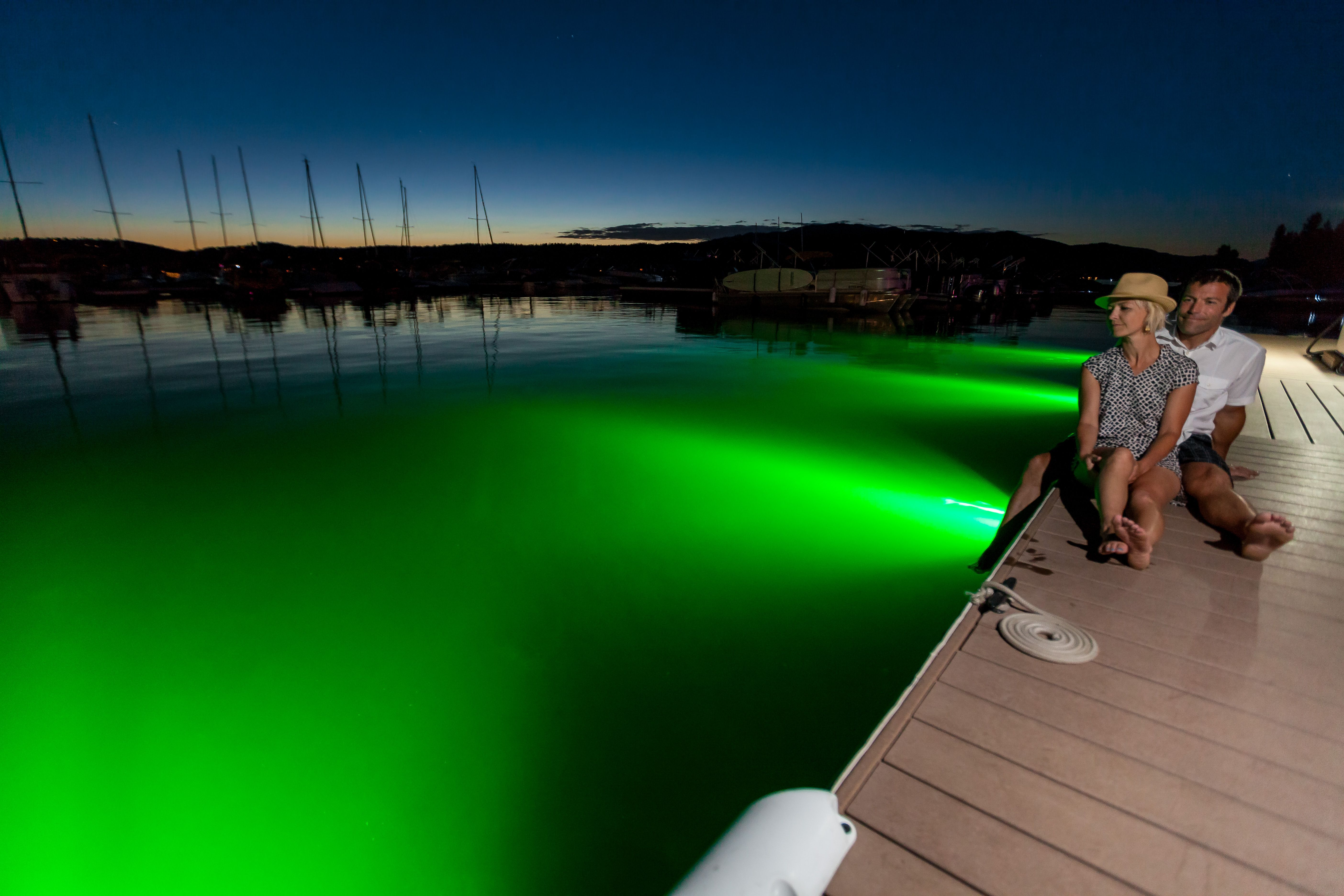 light up your summer nights with lifeform underwater dock lights