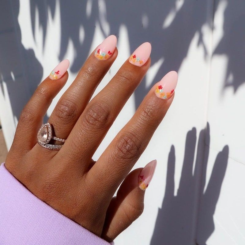 Delicate Floral Nails Are Suddenly Popping Up Everywhere In 2021 Floral Manicure Floral Nail Designs Trendy Nail Art Designs
