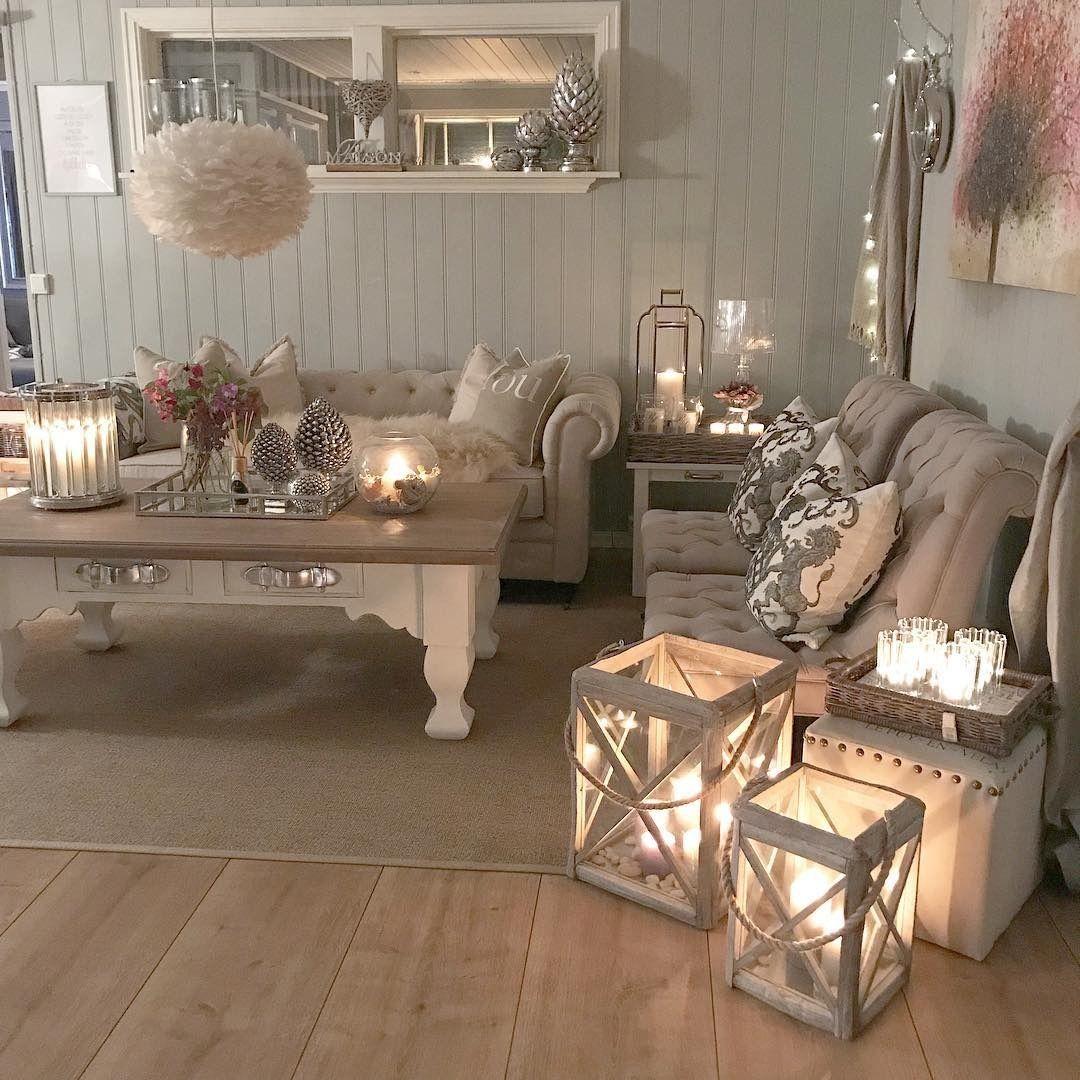 Pin di ro 39 p su candles pinterest for Disposizione mobili soggiorno