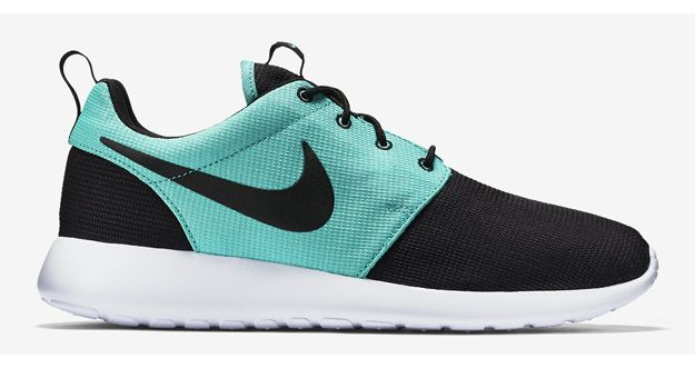 Nike Roshe Run Black Light Retro