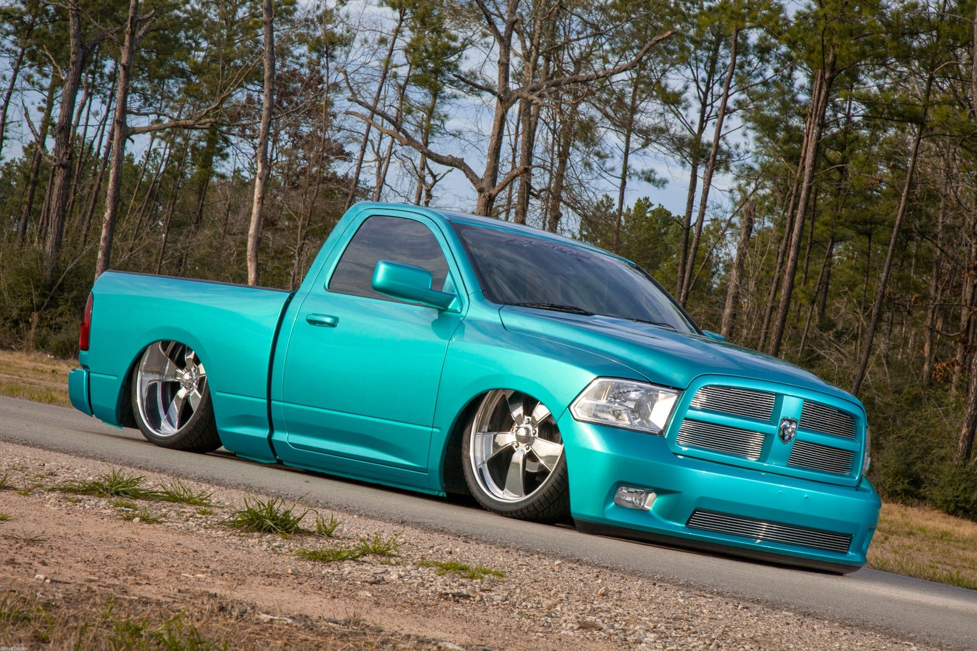 bagged ram trucks google search ram 1500 pinterest. Black Bedroom Furniture Sets. Home Design Ideas