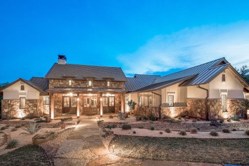 One Story Texas Farmhouse Texas Farmhouse Texas Style Homes