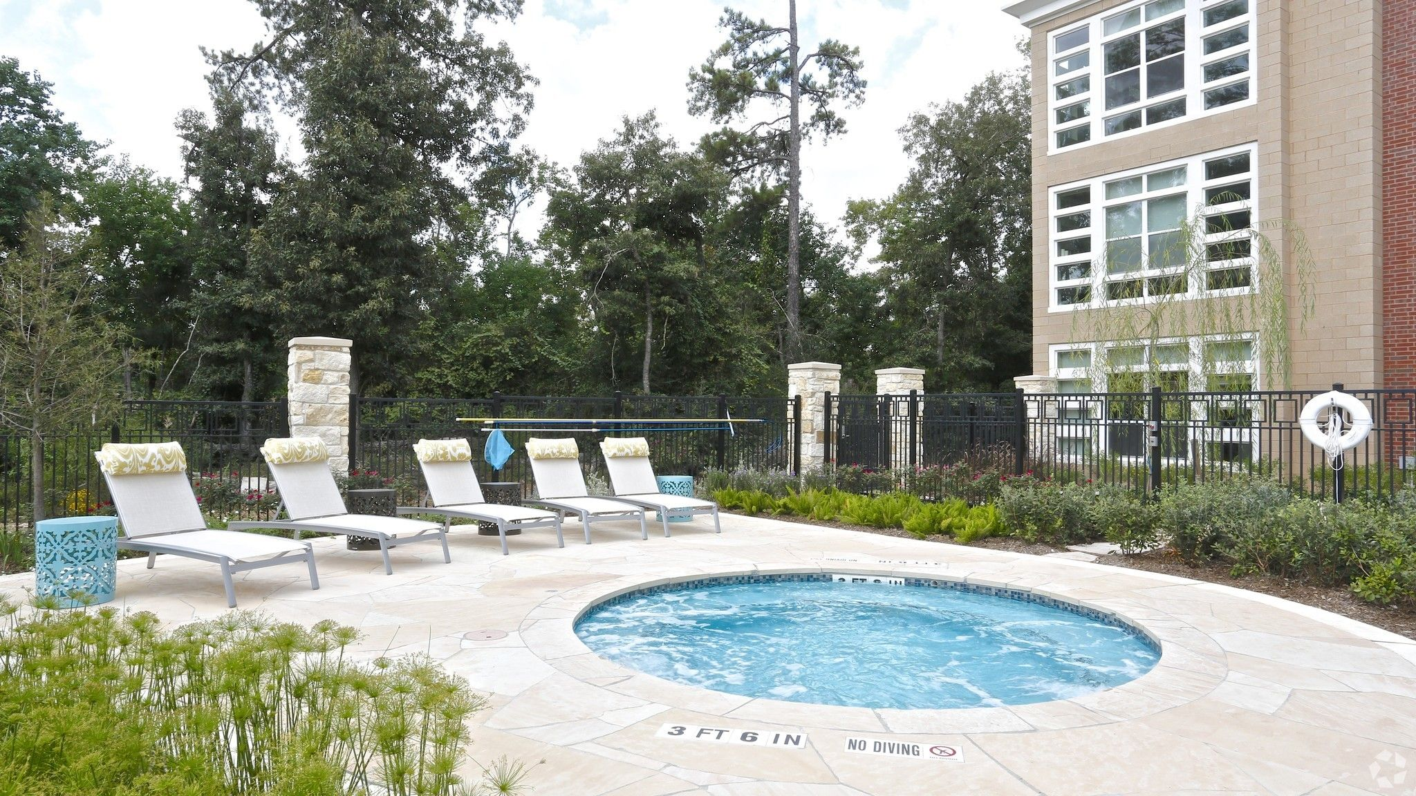 Hot Tub Apartments for rent, Apartment, Modern luxury