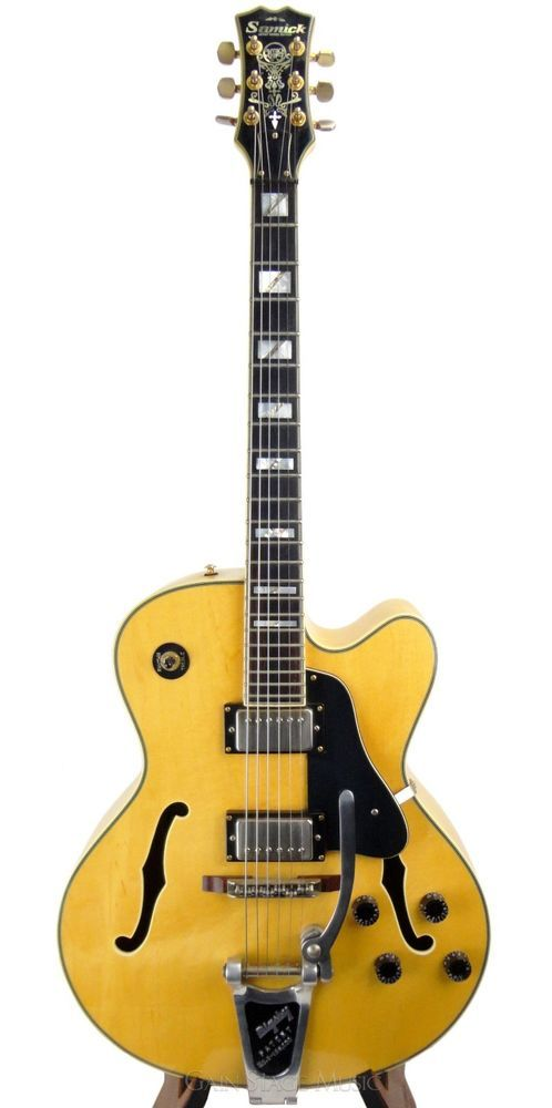 samick hf650 archtop hollowbody guitar with natural top and bigsby mid 90 39 s model samick. Black Bedroom Furniture Sets. Home Design Ideas