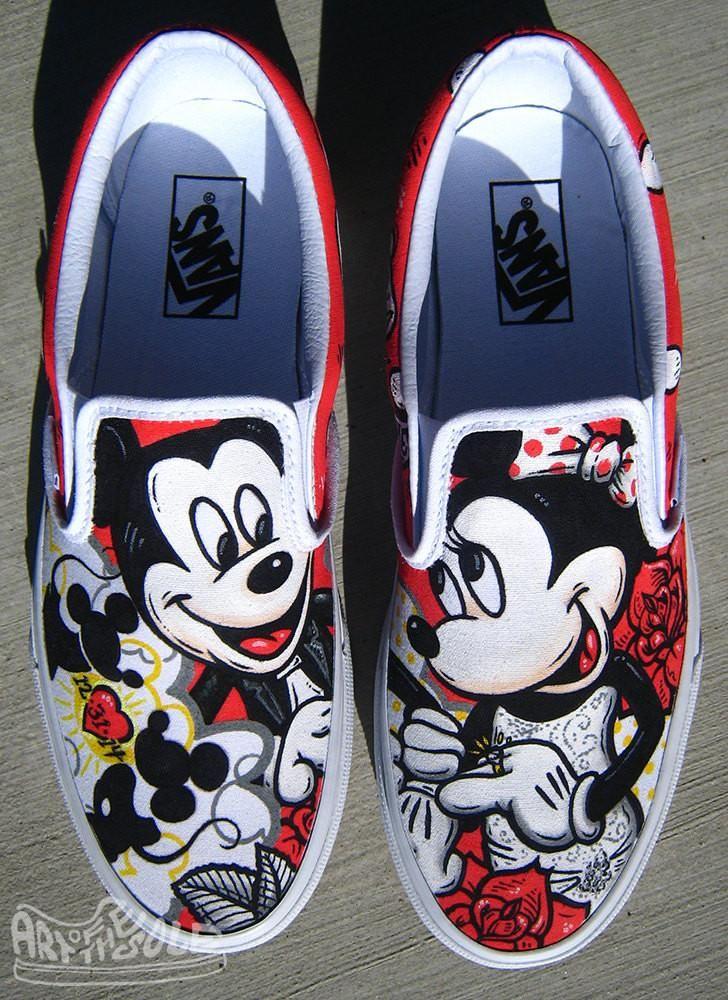 Disney themed wedding vans custom hand painted en 2020