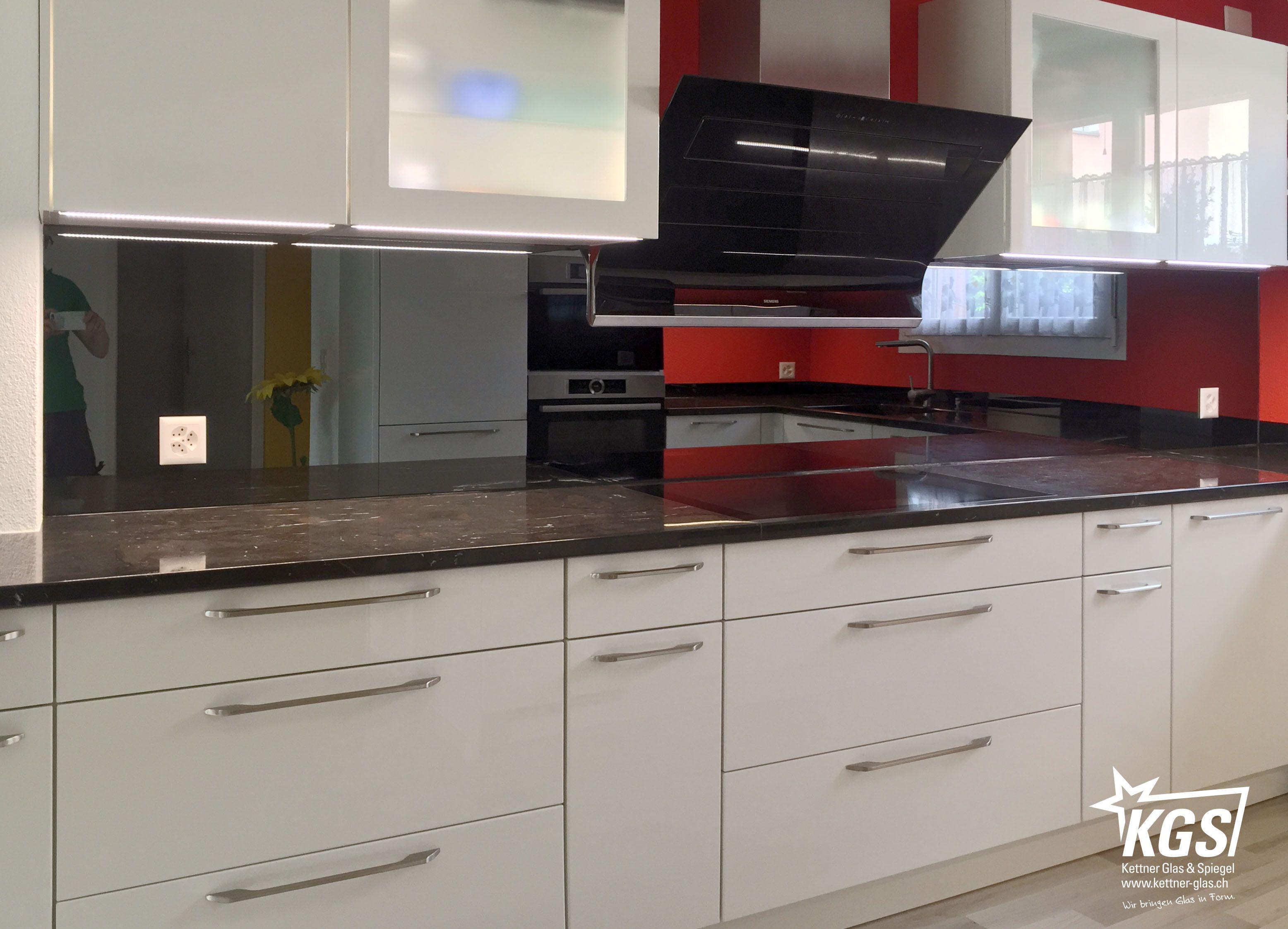 Küchenrückwand Selbstklebend ~ Nach der montage der küchenrückwand aus grauem spiegel