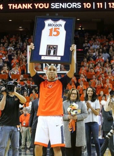 premium selection 1cf37 518f9 Malcolm Brogdon raises a frame with his number 15 jersey ...