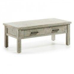 Mesa de centro fabricada artesanalmente con madera de pino procedente de palets reciclados.