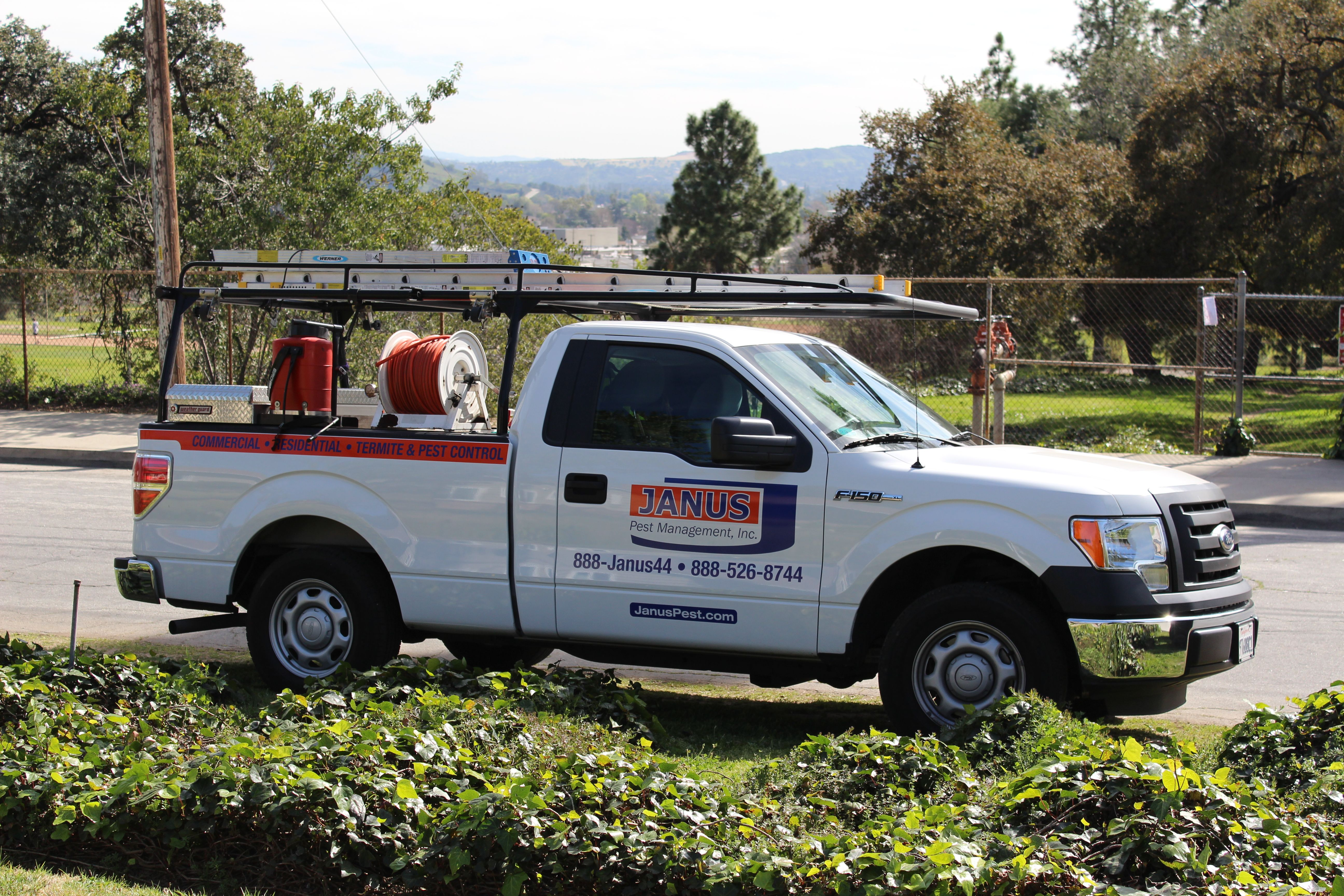 Los Angeles Pest Control Monthly Pest Maintenance Services Most Homes About 1 3 Day Operators Standing By Pest Control Pest Management Pests
