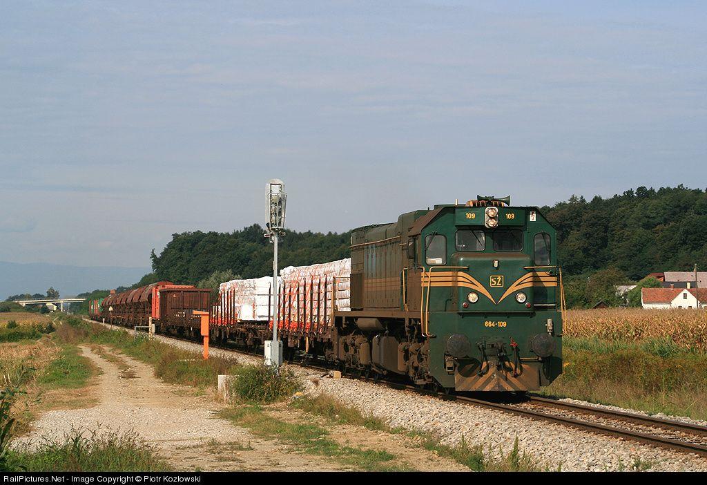 RailPictures.Net Photo: 664-109 Slovenske Zeleznice(SZ) EMD G26 at Zamušani, Slovenia by Piotr Kozlowski
