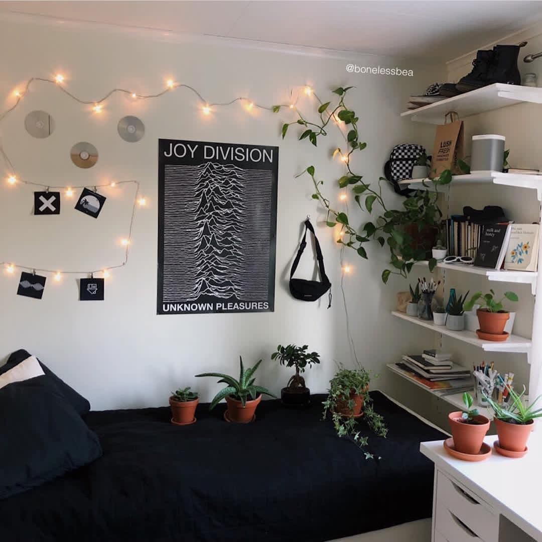 Grunge Aesthetics On Instagram Room 1 Or 2 I Think Both Are Amazing Room Ideas Bedroom Grunge Bedroom Bedroom Decor
