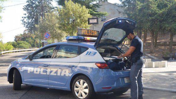 Offerte di lavoro Palermo  In azione cinque banditi armati sequestrati due autisti. Tabacchi per un valore di 50 mila euro  #annuncio #pagato #jobs #Italia #Sicilia Palermo assalto a un furgone di sigarette in via Ingegneros