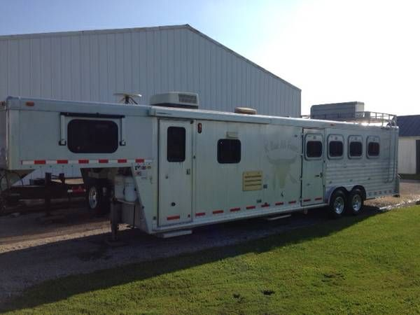 I have an all aluminum 1998 Cherokee horse trailer with ...