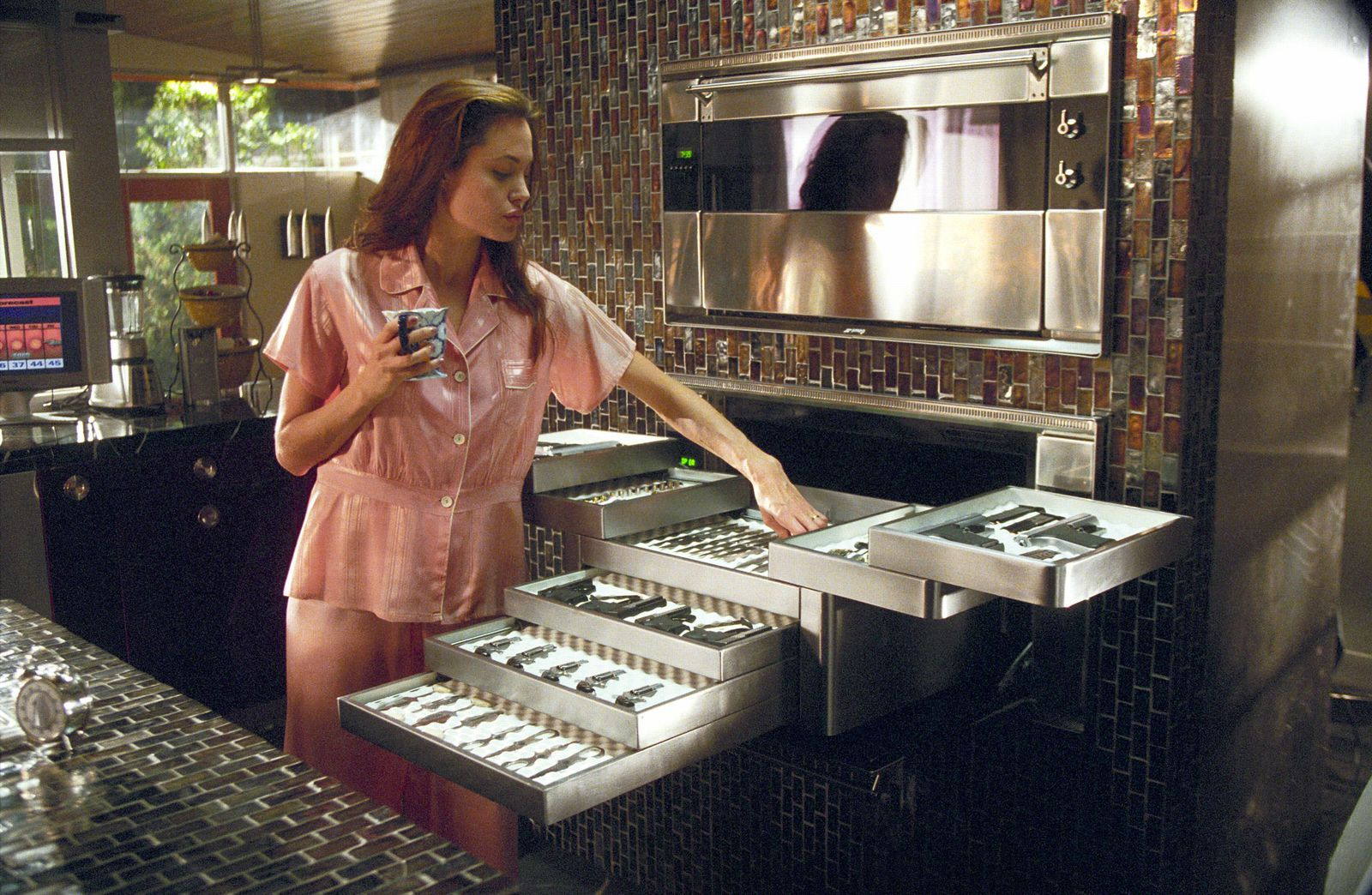 Mr And Mrs Smith Kitchen 23 hollywood kitchens that will inspire your next redo | mr