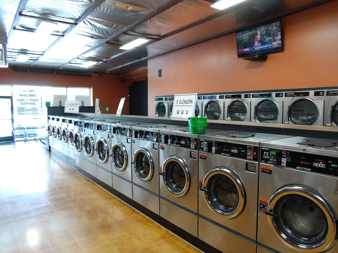 San Diego Business Partners Open Third Wash N Go Laundromat In 6