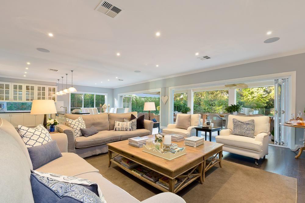 SOLD Di Jones Real Estate 307 Bobbin Head Road Turramurra 2074 NSW