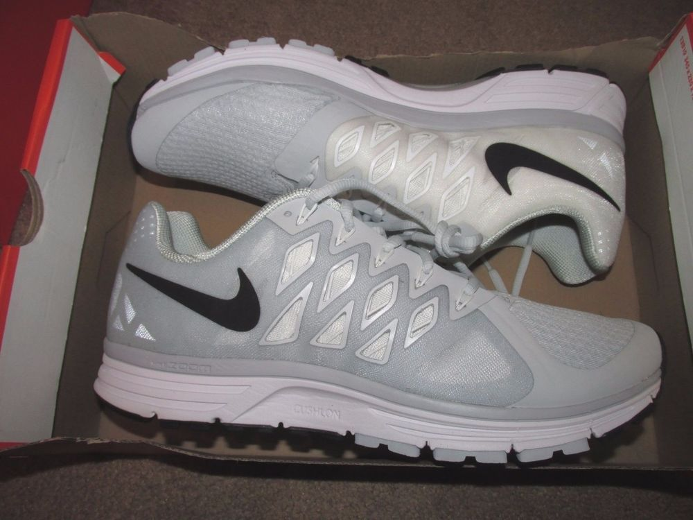 Nike Zoom Vomero 9 Team Mens Running Shoes 14 Wide Platinum White 659395 002