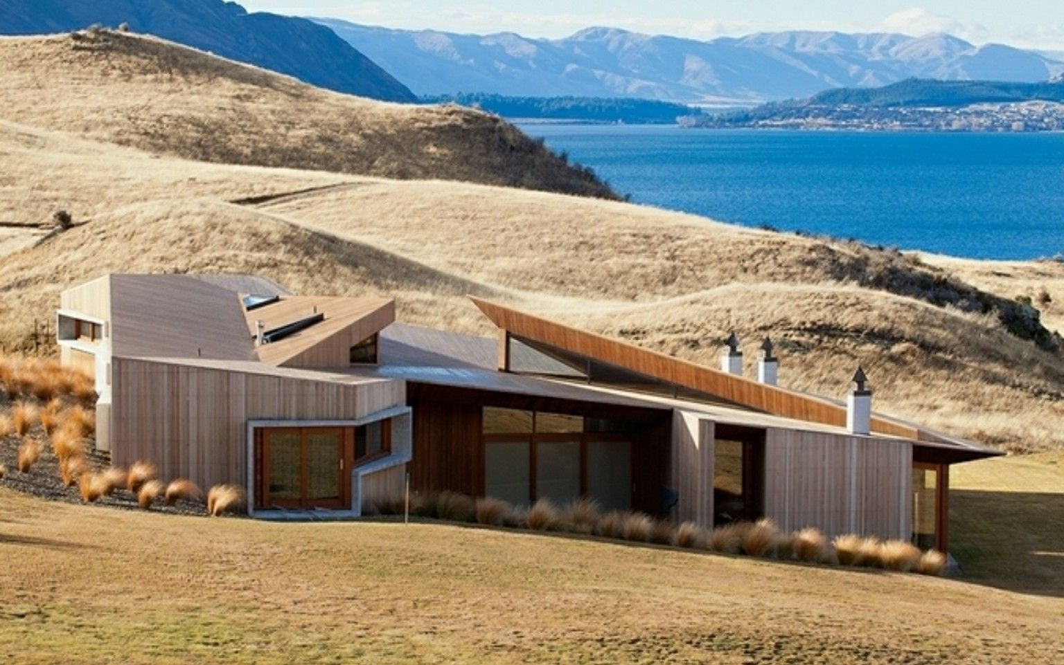 Te Kaitaka House Stevens Lawson Architects Nova Zelandia Architecture New Zealand Houses Holiday Home