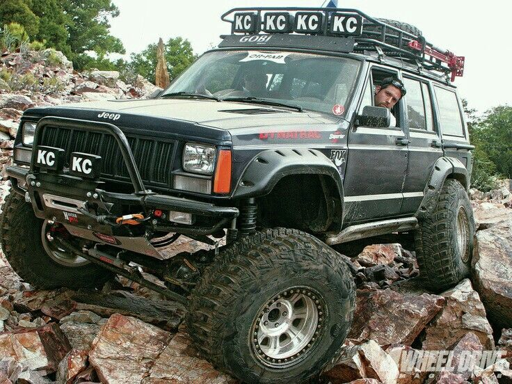 XJ on JK axles Jeep cherokee xj, Jeep cherokee, Jeep