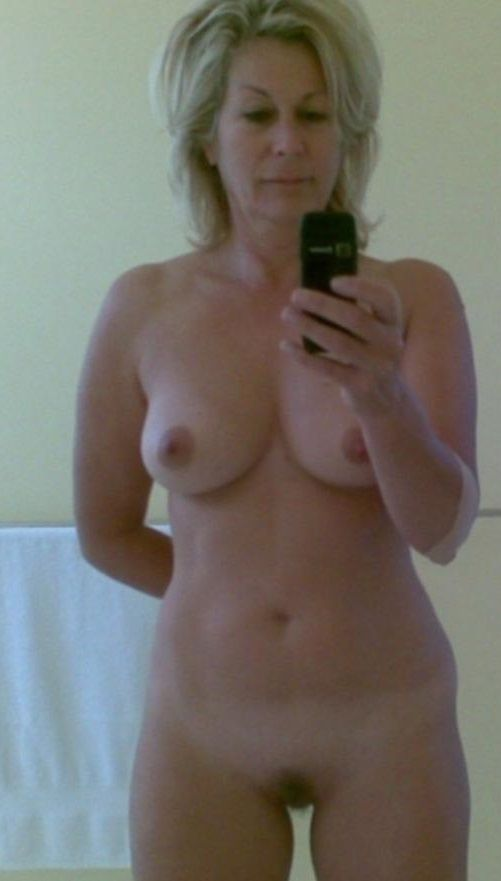 selfie nude Milf hot mom