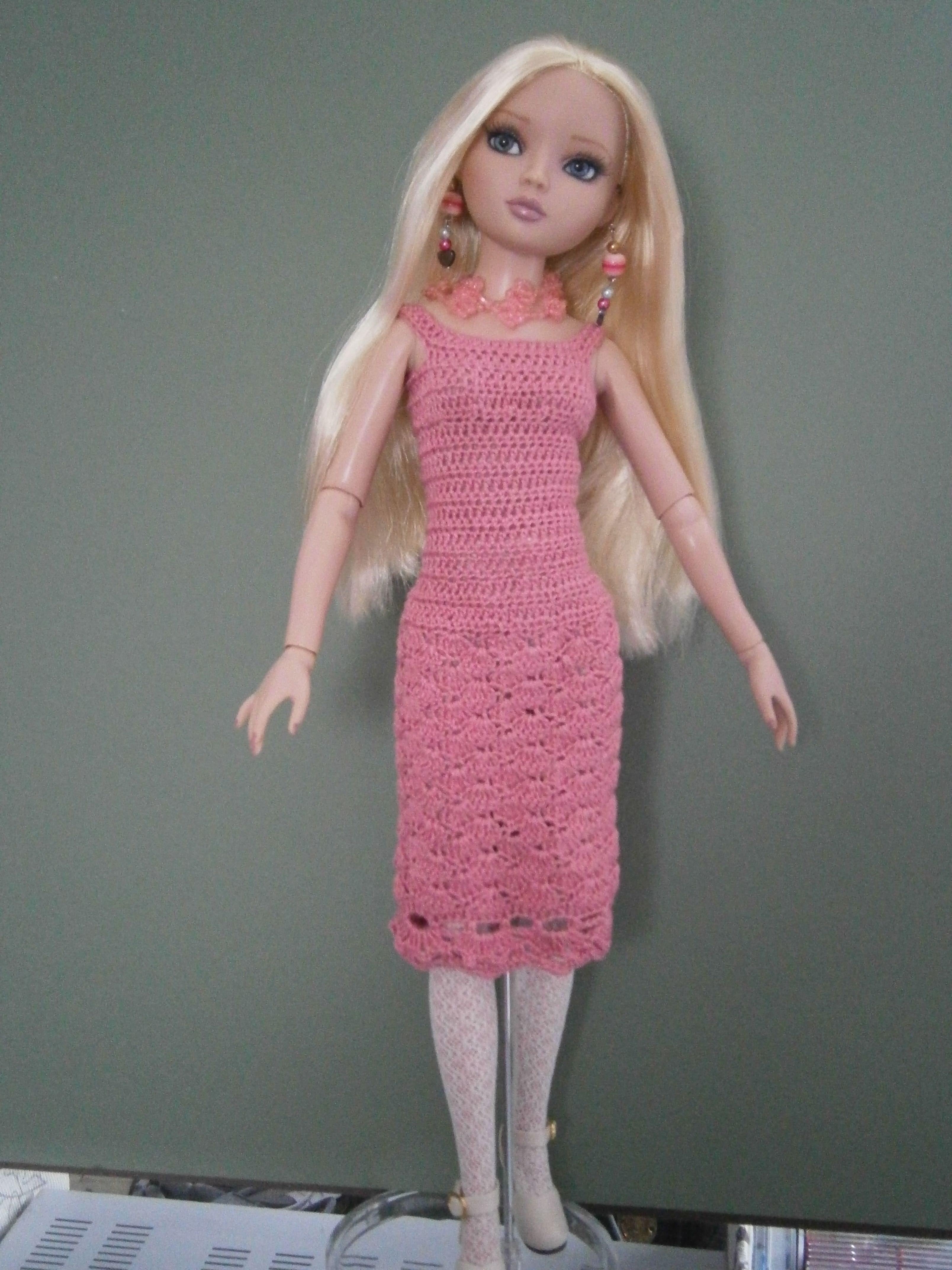 Pattern from Crochet for Ellowyne 3 by Lynne Sears ♡   barbie ...