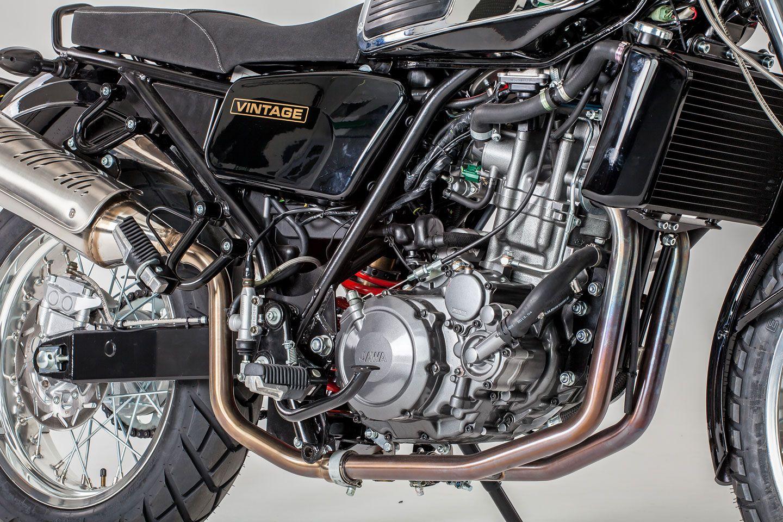 Galerie Jsou Tady Nove Motorky Jawa Retro Ladene Kousky 350 Ohc A 660 Vintage Foto 7 Auto Cz Motorcycle Retro Product Launch