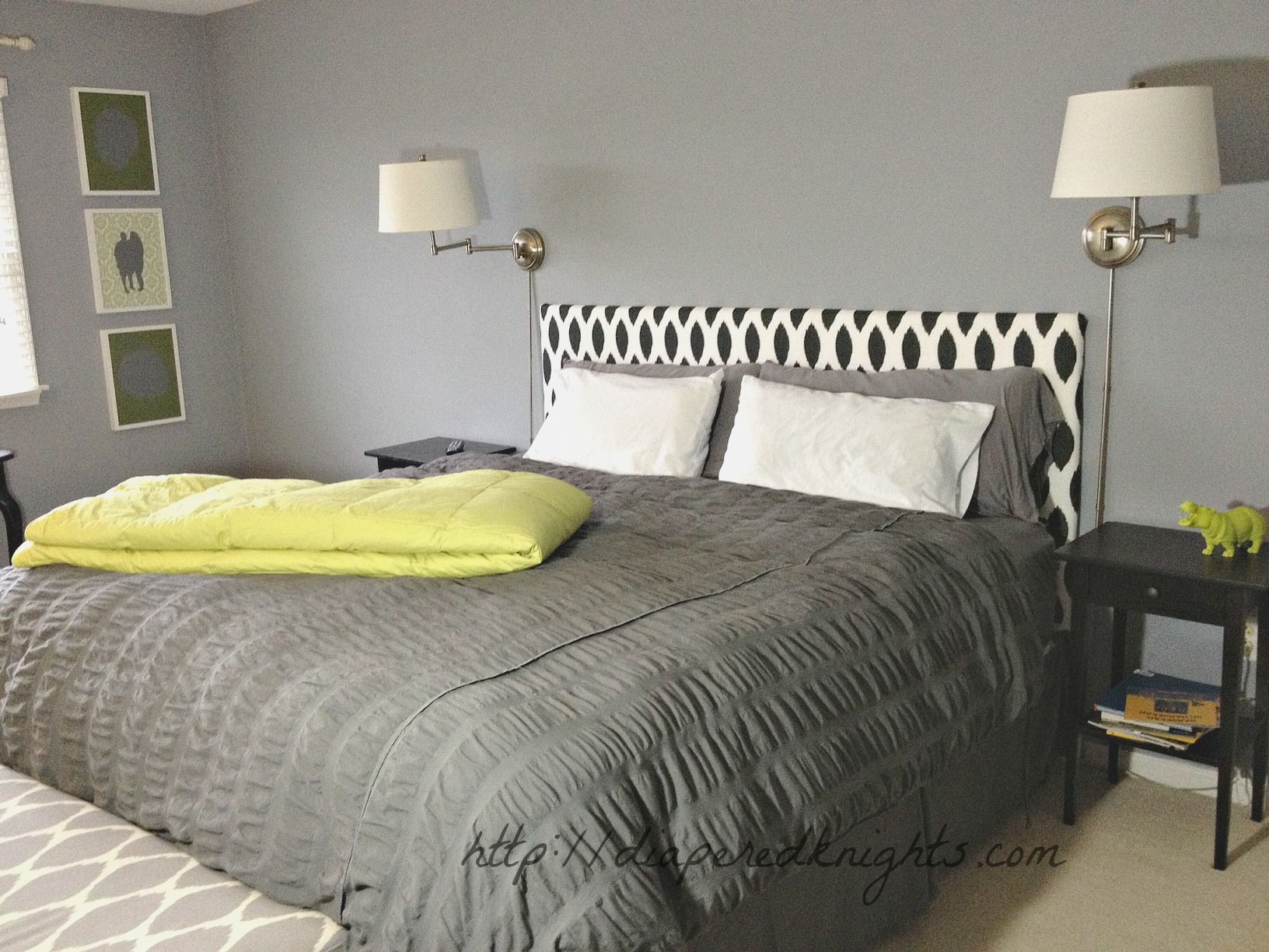 Make an Upholstered Headboard | ... could probably make my own upholstered headboard. & Make an Upholstered Headboard | ... could probably make my own ... pillowsntoast.com