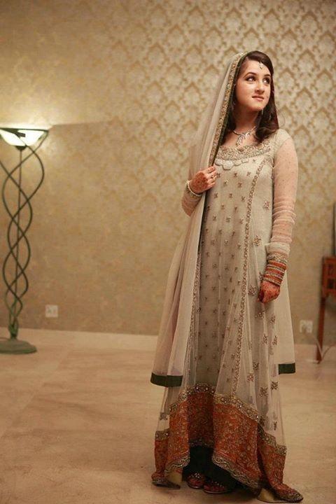 b492d4f2b1 Simple engagement dress | Dress in 2019 | Pakistani dress design ...