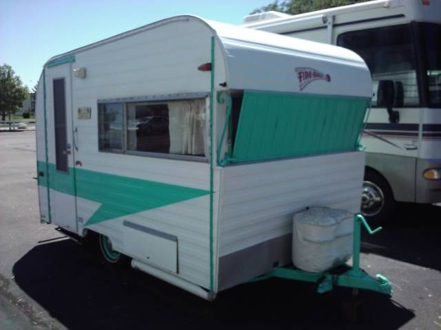 Pin By Lisa Stroud On Vintage Travel Trailers Vintage Campers Trailers Vintage Trailers Vintage Travel Trailers