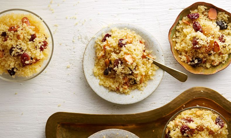Uit de authentieke Marokkaanse keuken: Seffa! Een zoete couscous voor feestelijke gelegenheden, zoals geboortes en bruiloften. Zo maak je het.