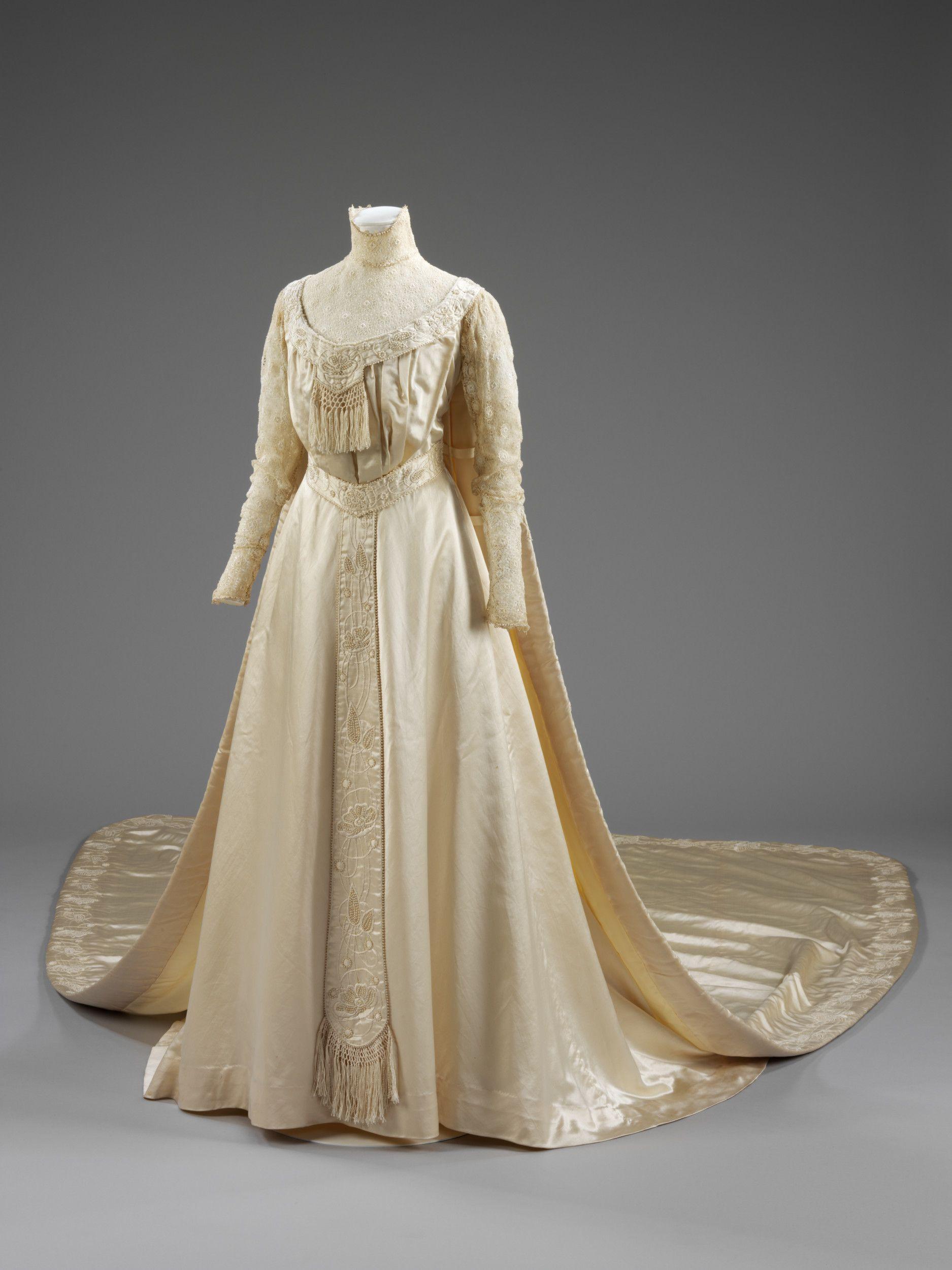 Wedding dress of liberty u co ltd satin with skirt and train c