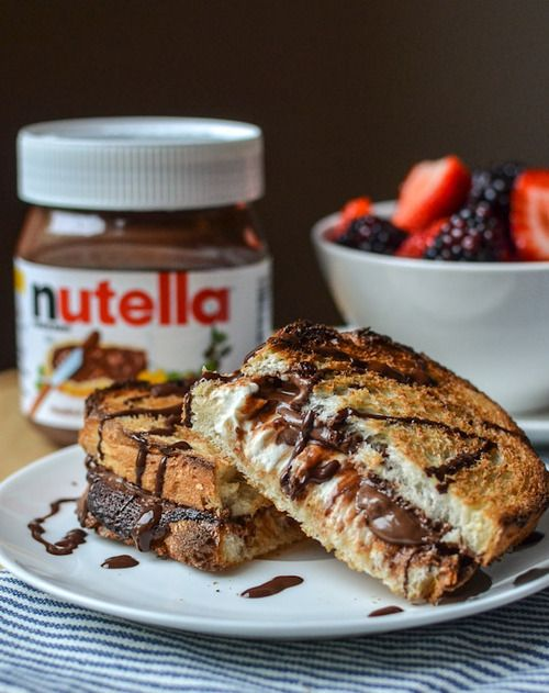 Hot Baked Nutella & Cream Cheese Sandwich [[MORE]] serves 4 8 slices soft yet crusty Italian bread4 ounces cream cheese, cut into 4 cube...