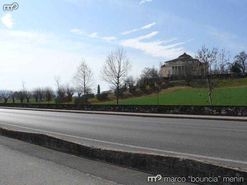 Da Vicenza Porta Monte a Debba Porte, Villa