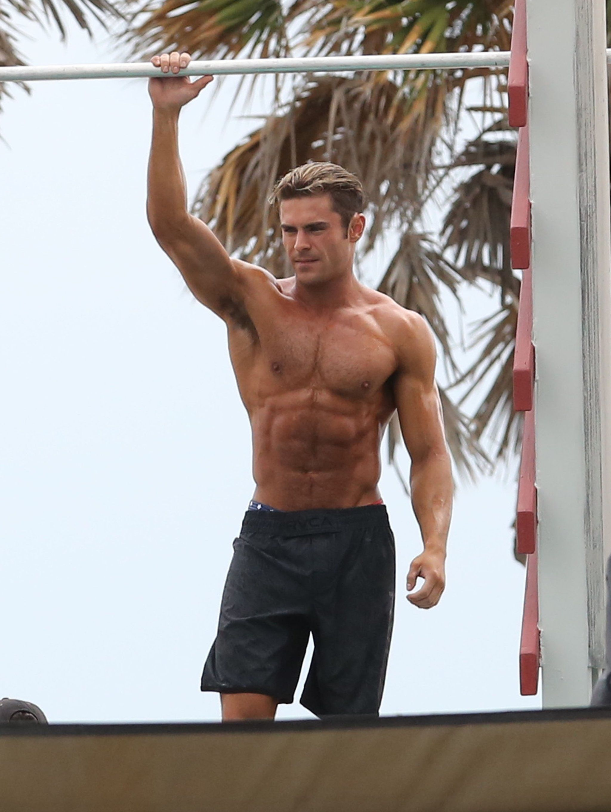 You'll Definitely Need CPR After Seeing These Shirtless Zac